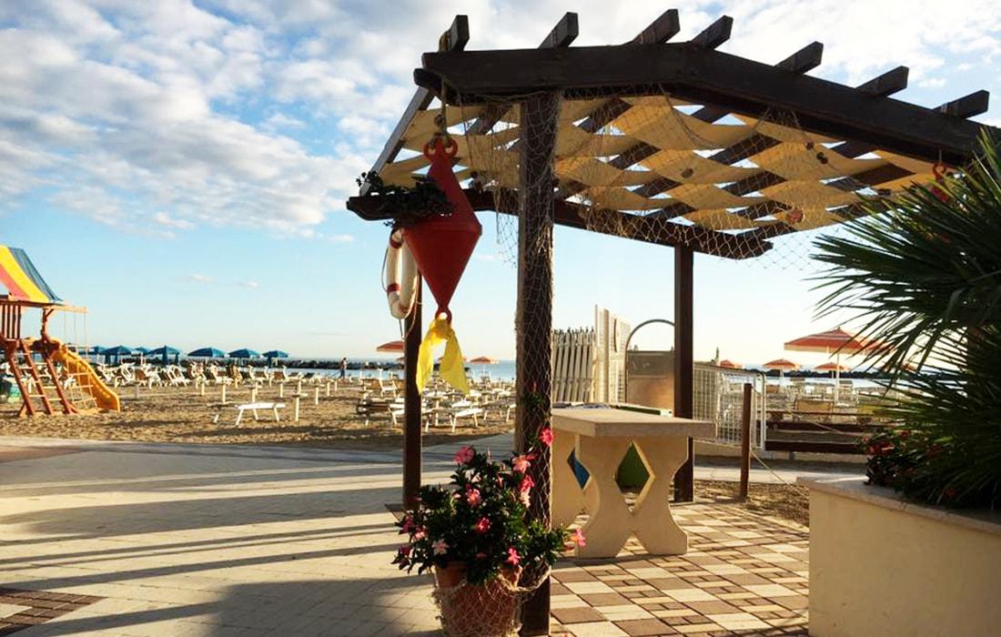 Spiaggia Paguro Beach | Hotel Titanus